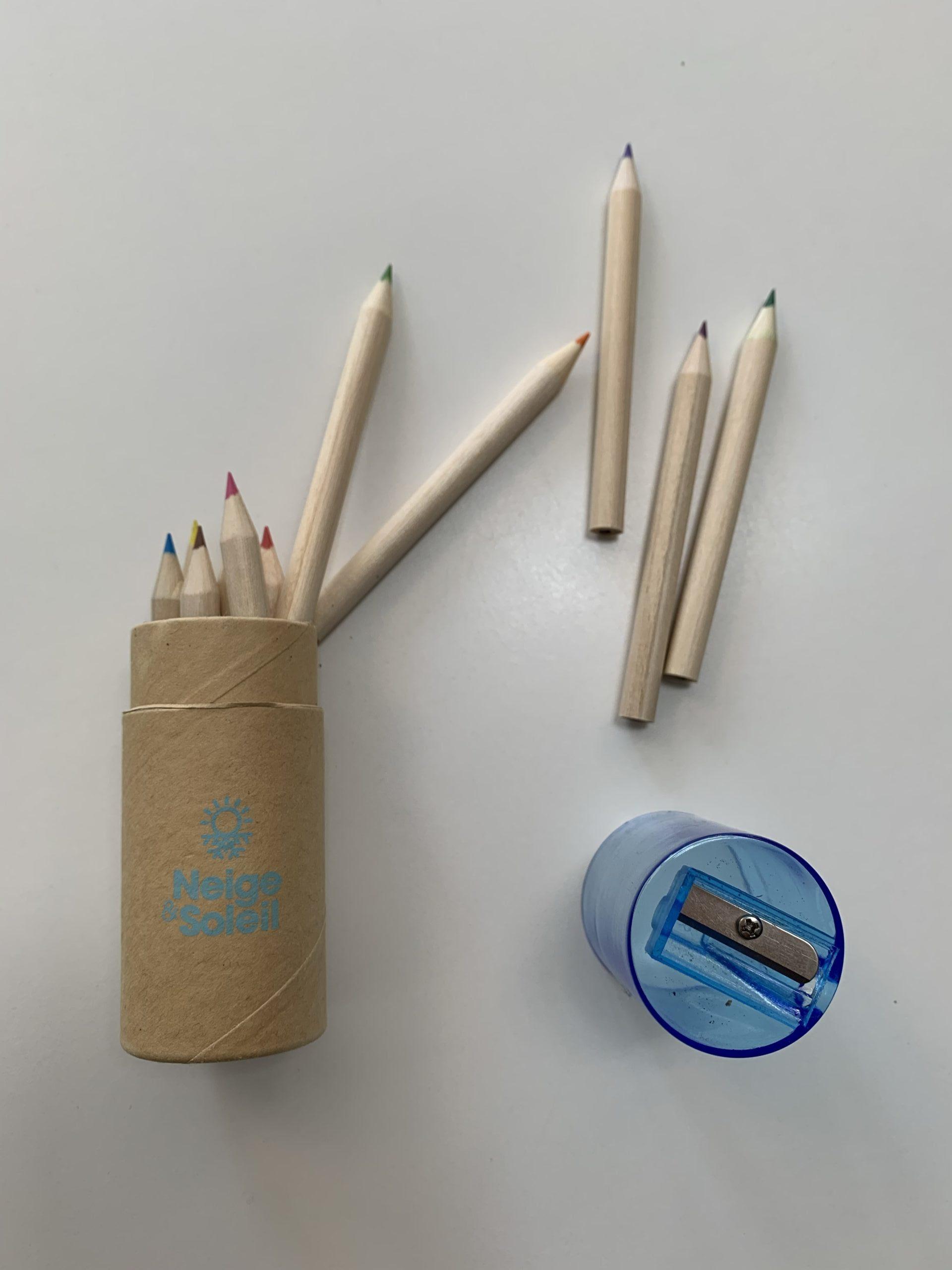 Set de 12 crayons de couleur avec taille-crayon